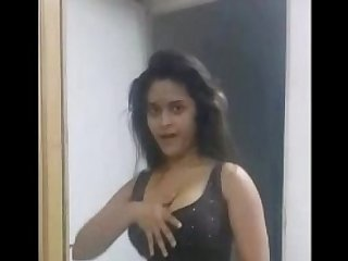 Sexy Indian Babe Navneeta Dancing Shaking BigTits
